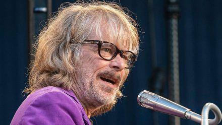 """Nach einem Konzertabbruch wird Helge Schneider keine weiteren Konzerte im Rahmen der """"Strandkorb Open Air""""-Reihe spielen (wue/spot)"""