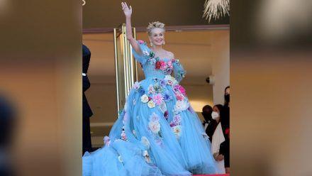 Schauspielerin Sharon Stone strahlt auf den Filmfestspielen in Cannes.  (amw/spot)