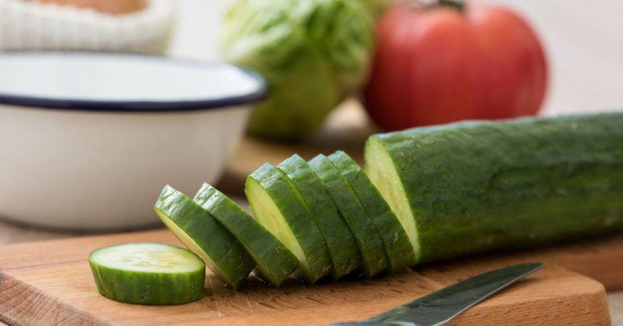 Damit Gurken so schmecken wie frisch geerntet, sollte man sie nicht zu kühl lagern.