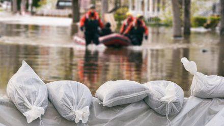 Die Lage in den Hochwasser-Gebieten bleibt angespannt. (jom/spot)