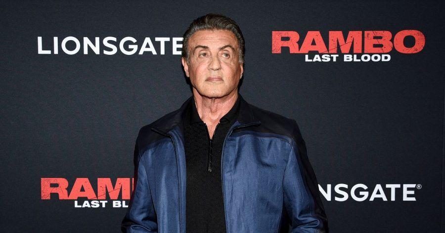 Mit seiner Ehefrau Jennifer Flavin hat Sylvester Stallone drei Töchter.