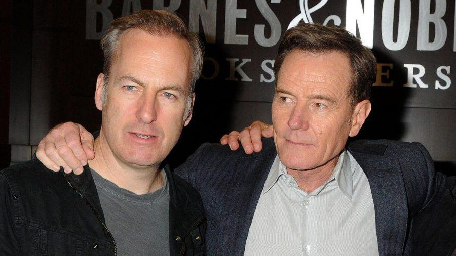 """Bob Odenkirk und Bryan Cranston (re.) standen in der Erfolgsserie """"Breaking Bad"""" gemeinsam vor der Kamera. (eee/spot)"""