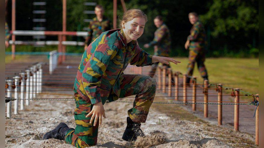 Kronprinzessin Elisabeth von Belgien trainiert an der Königlichen Militärakademie. (ili/spot)