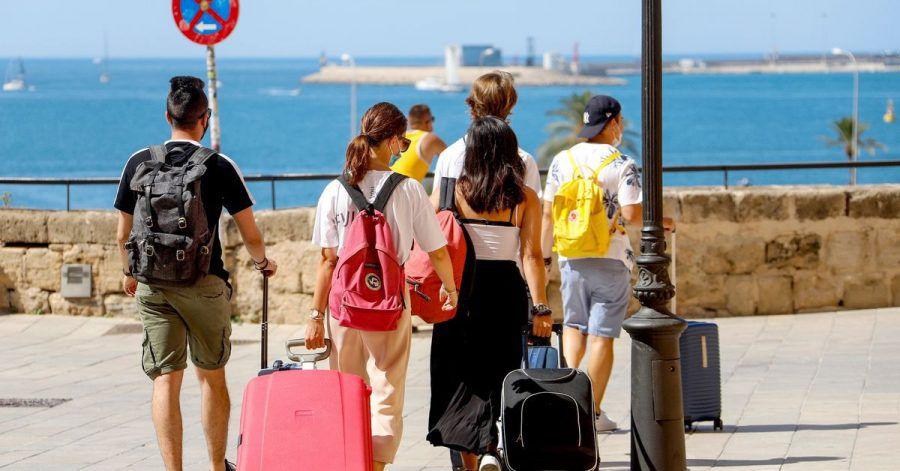 Ein neues Gesetz tritt in Kraft, das Pauschalurlauber über einen Fonds besser gegen eine Insolvenz des Reiseveranstalters absichern soll.