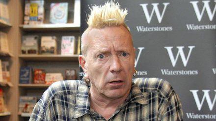 Sex Pistols-Sänger John Lydon im Jahr 2014 in Liverpool (wue/spot)