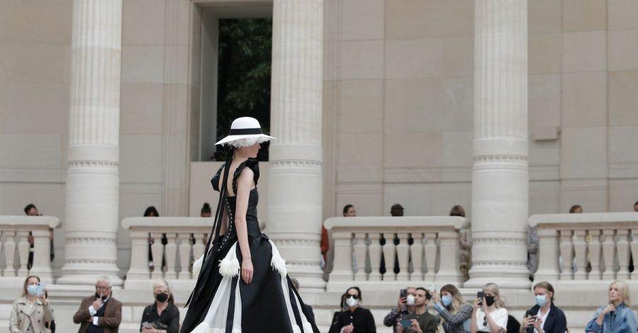 Haute-Couture-Modenschau für die Herbst/Winter 2021/2022 Kollektion aus dem Modehaus Chanel.