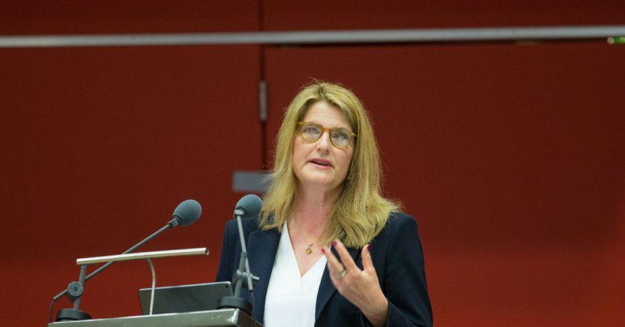 Tina Hassel, die Leiterin des ARD-Hauptstadtstudios, auf der Fernsehratssitzung. Hassel hat ihre Kandidatur zurückgezogen.