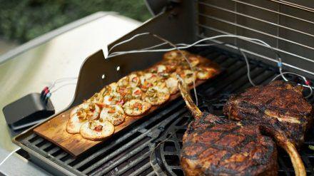 Wer einen intelligenten Grill hat, muss sein Grillgut nicht mehr nonstop beaufsichtigen. (elm/spot)