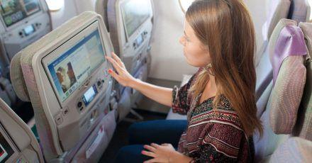 Bitte etwas Abstand zum Vordersitz: Beinfreiheit ist auf Langstreckenflügen ein nicht zu unterschätzender Faktor.