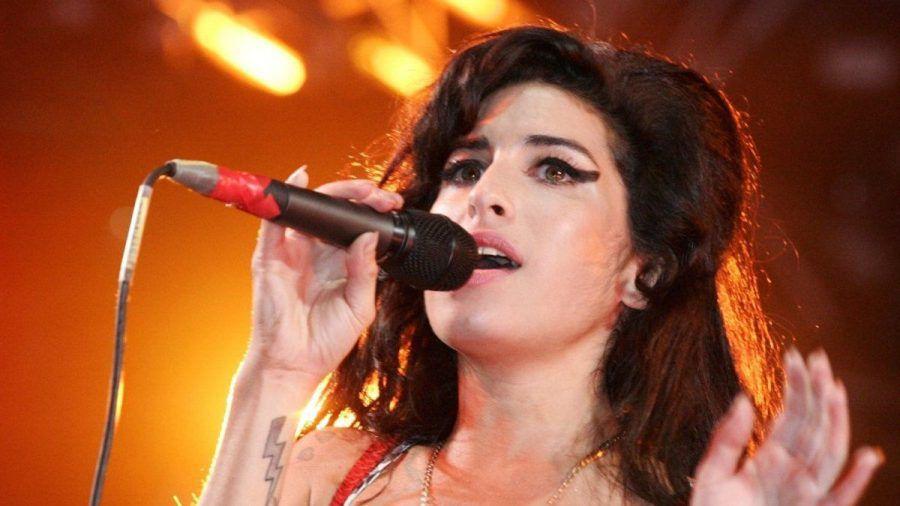 """Amy Winehouse schrieb mit Songs wie """"Back to Black"""" und """"Rehab"""" Musikgeschichte. (tae/spot)"""