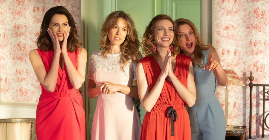 Die Schwestern Isabelle (Frédérique Bel), Laure (Élodie Fontan), Ségolène (Émilie Caen) und Odile (Julia Piaton) wollen allesamt ins Ausland.