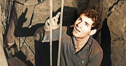 """Domenico Sesta (Mimo) in einer Szene aus dem Dokumentarfilm """"Tunnel der Freiheit""""."""