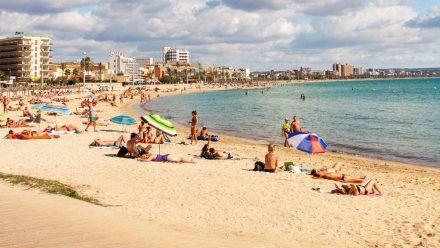 Nicht geimpfte oder genesene Mallorca-Urlauber müssen in Quarantäne. (jom/spot)
