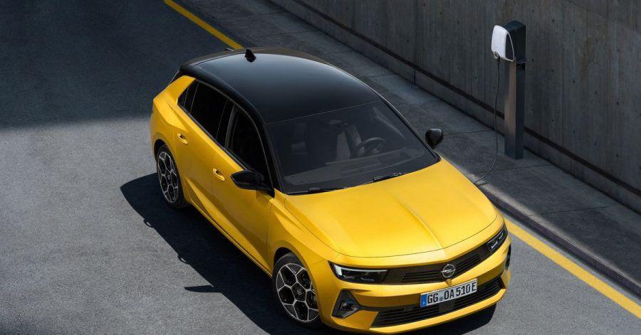 Blitz unter Spannung: Bei der neuen Generation lässt Opel auch einen Plug-in-Hybrid ins Astra-Modellprogramm rollen.