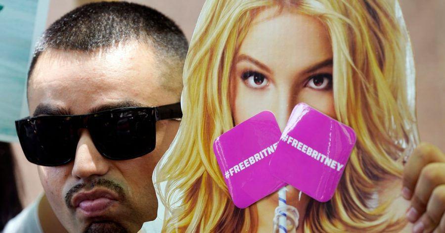 Ein Fan nimmt an einer Demonstration vor einer Anhörung zur Vormundschaft der Popsängerin teil.