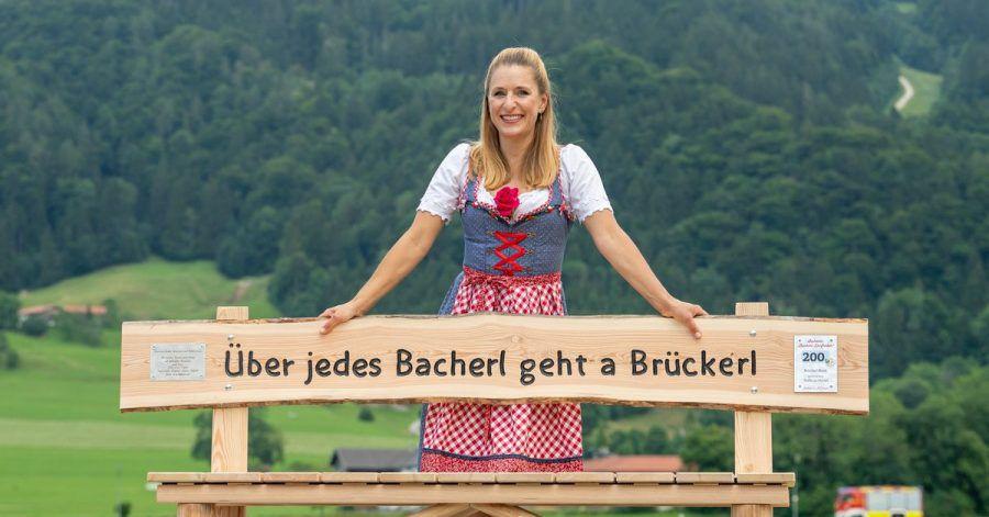 Mit ihrem Lied «Über jedes Bacherl geht a Brückerl» hat Stefanie Hertel 1992 den Grand Prix der Volksmusik gewonnen.