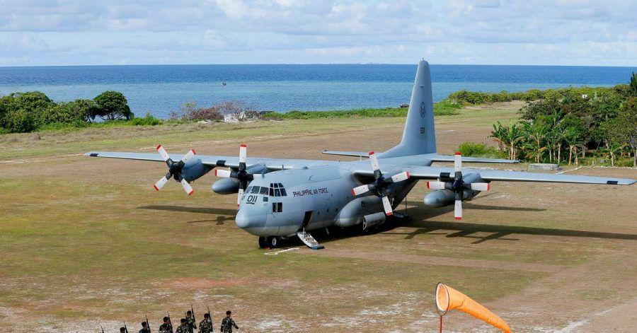 Ein C-130-Transportflugzeug der philippinischen Luftwaffe. Beim Absturz eines Militärflugzeugs diesen Typs auf der philippinischen Insel Jolo sind zahlreiche Insassen ums Leben gekommen. (Archivbild)