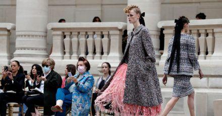 Die Show von Chanel in Paris.