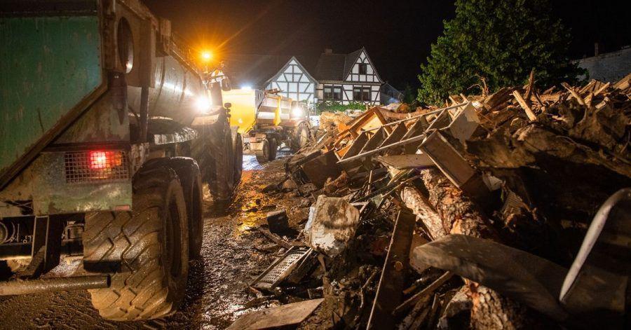 Trümmerteile häufen sich und die Zahl der Todesopfer steigt immer weiter.