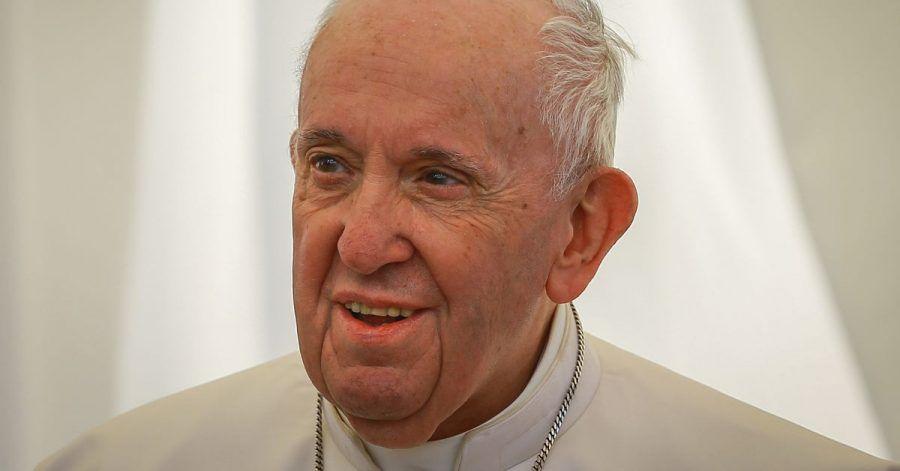 Papst Franziskus ist wegen eines Darm-Leidens erfolgreich operiert worden.