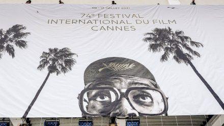 Jury-Präsident Spike Lee auf dem offiziellen Plakat der Internationalen Filmfestspiele von Cannes. (smi/spot)