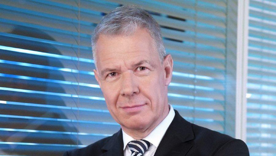"""Peter Kloeppel ließ sich von einem Stromausfall im """"RTL aktuell""""-Studio nicht aus dem Konzept bringen. (dr/spot)"""