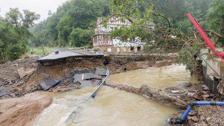 Viele Orte in Rheinland-Pfalz sind besonders vom Hochwasser betroffen, etwa Schuld im Landkreis Ahrweiler. (tae/spot)