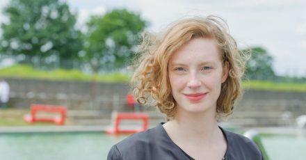 Luise Wolfram 2015 in Bremen bei  Dreharbeiten zum Bremer-«Tatort».