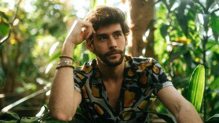 """Alvaro Soler veröffentlicht am 9. Juli sein neues Album """"Magia"""". (tae/spot)"""