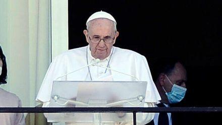 Papst Franziskus auf dem Balkon des Gemelli-Hospitals in Rom. (rto/spot)