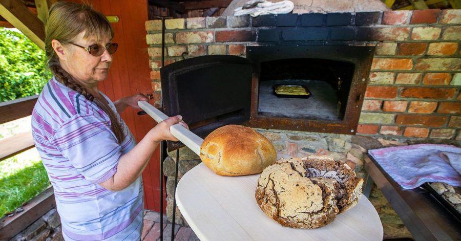 Jeden ersten und dritten Freitag im Monat wird in dem kleinen Museum im Landkreis Ludwigslust-Parchim der Ofen eingeheizt.