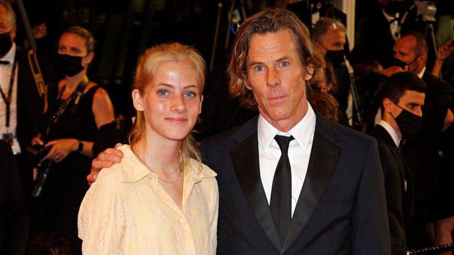 Hazel Moder mit ihrem Vater Danny Moder in Cannes. (smi/spot)