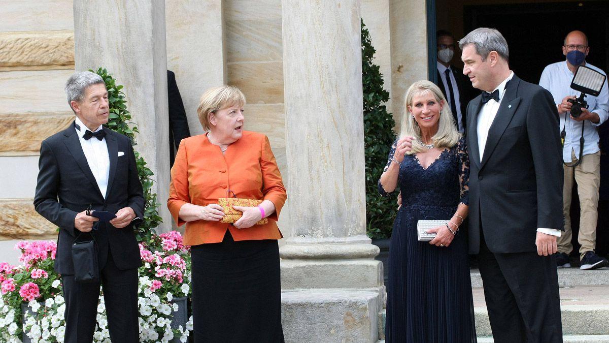Sie sieht alles: Hat Angela Merkel eine heimlichen Twitter-Account?