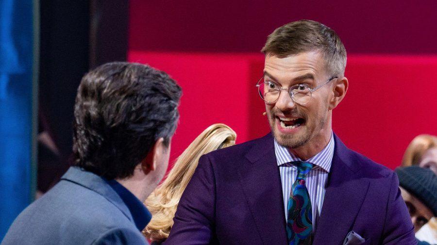 """Joko Winterscheidt (re.) setzte sich gegen seine """"Wer stiehlt mir die Show?""""-Gegner durch. (jom/spot)"""