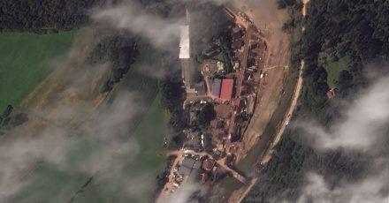 Dieses von European Space bereitgestellte Satellitenbild zeigt das vom Hochwasser verwüstete Dorf Schuld, in der Nähe von Bad Neuenahr-Ahrweiler.