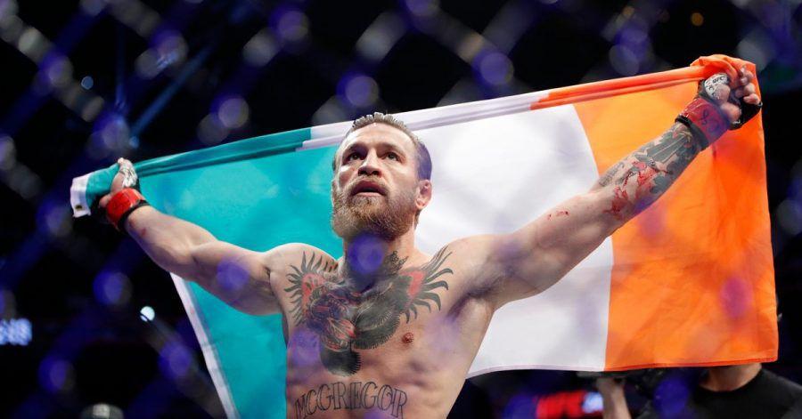 Conor McGregor feiert in Las Vegas seinen Sieg über Donald Cerrone (2020).