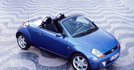 Reich musste man für das Vergnügen auch nicht sein, galt der Ford Streetka doch als vergleichsweise günstiges Cabrio.