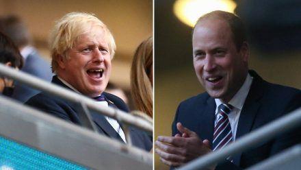 Boris Johnson (li.) und Prinz William feuern England im EM-Halbfinale an. (eee/spot)