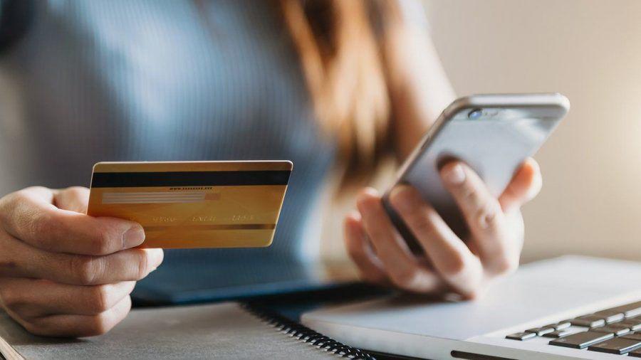 Online-Shopping und -Banking kratzen nur an der Oberfläche dessen, was Künstliche Intelligenz mittlerweile zu Finanzthemen beiträgt (spot)