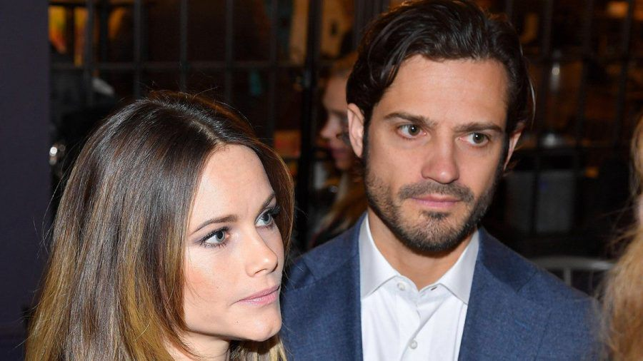 Prinzessin Sofia und Prinz Carl Philip zeigen sich erstmals mit ihren drei Kindern.  (dr/spot)