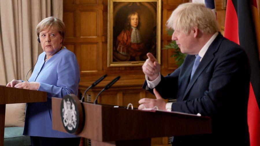 Angela Merkel weilt derzeit in Großbritannien. (stk/spot)