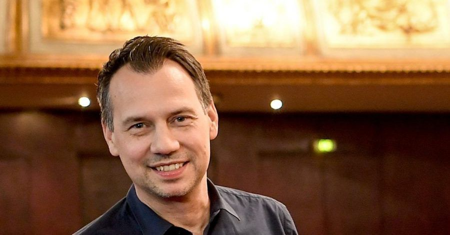 Sebastian Fitzek wollte eigentlich mal Schlagzeuger werden.
