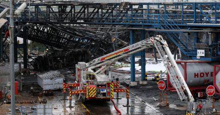 Leverkusener warten nach der Explosion im Chempark auf die Ergebnisse von Umwelt-Analyse.