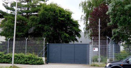 Wo sind die Millionen? Das Tor einer Firma für Geldtransporte in Bremen.