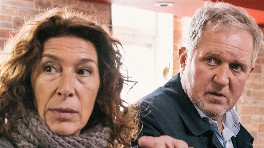 """""""Tatort: Die Kunst des Krieges"""": Bibi Fellner (Adele Neuhauser, l.) und Moritz Eisner (Harald Krassnitzer) ermitteln. (cg/spot)"""