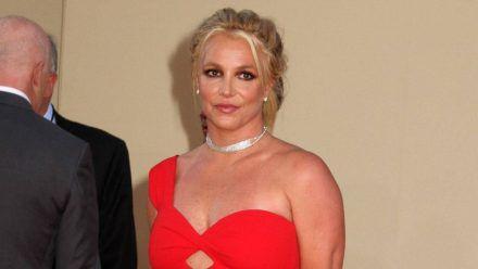 Britney Spears malt gegen den Frust - und bekommt Unterstützung von Mama