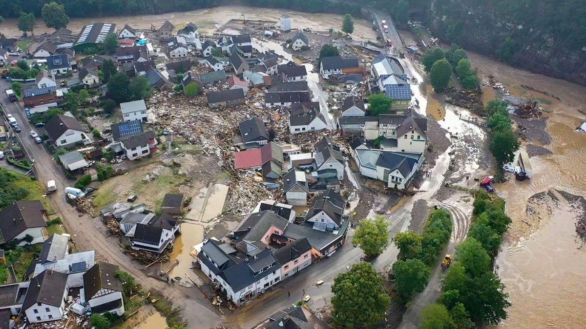 Unfassbarer Hochwasser-Horror: Viele vor den Trümmern ihrer Existenz