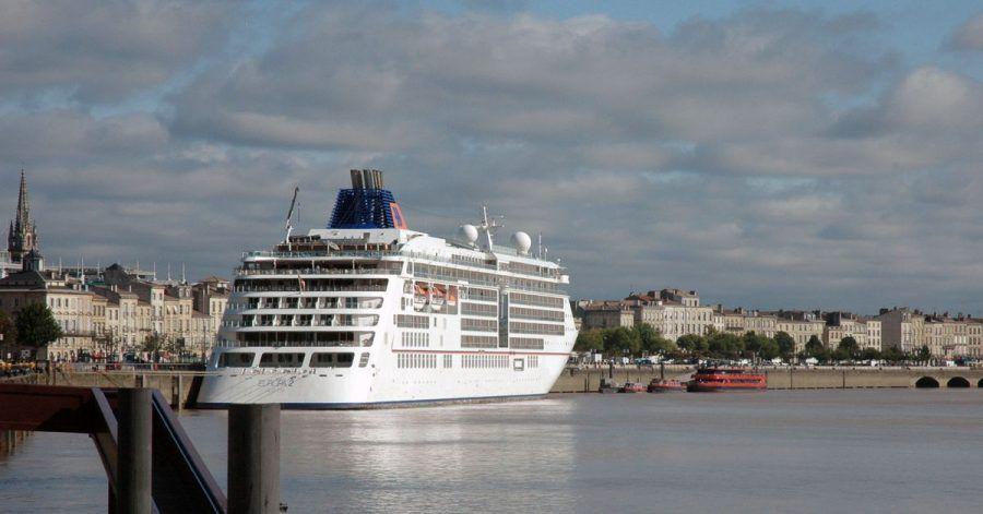 Die «Europa 2» in Bordeaux:Hapag-Lloyd Cruises wird abHerbst nur noch Kreuzfahrten für Geimpfte anbieten.