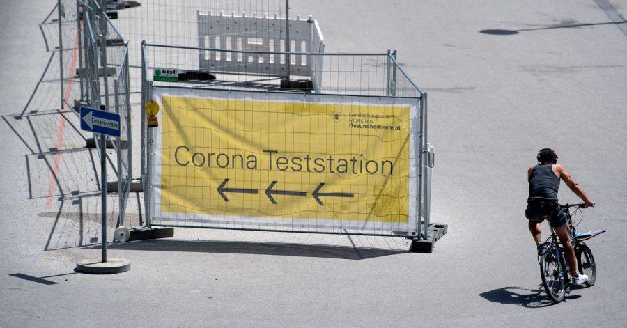 Corona-Teststation auf der Theresienwiese in München. Die Sieben-Tage-Inzidenz steigt seit einigen Tagen wieder leicht an.
