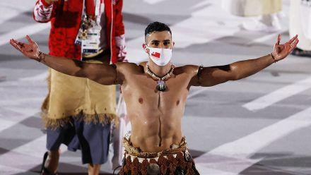 Tongas Fahnenträger Pita Taufatofua sorgt für Schnappatmung!